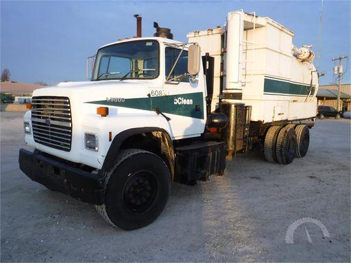 1996 FORD L9000