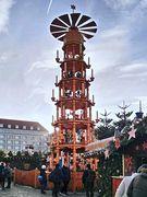 Weihnachtspyramide auf dem Striezelmarkt